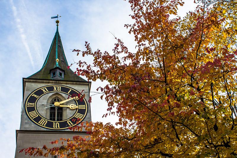 Altstadtkirche St. Peter (mit dem größten Turmzifferblatt Europas)
