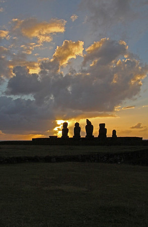 Moai at Ahu Tahai