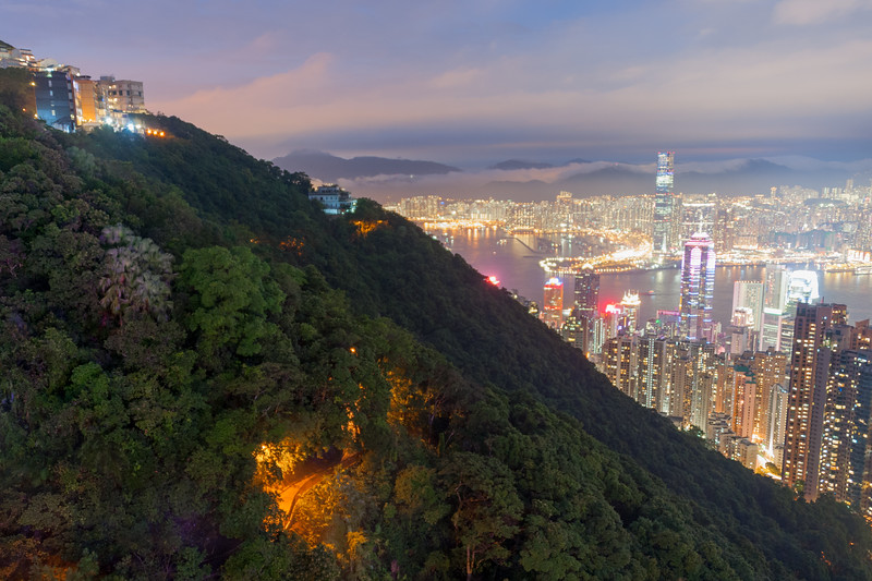 Victoria Peak Trail and Skyline (long exposure)