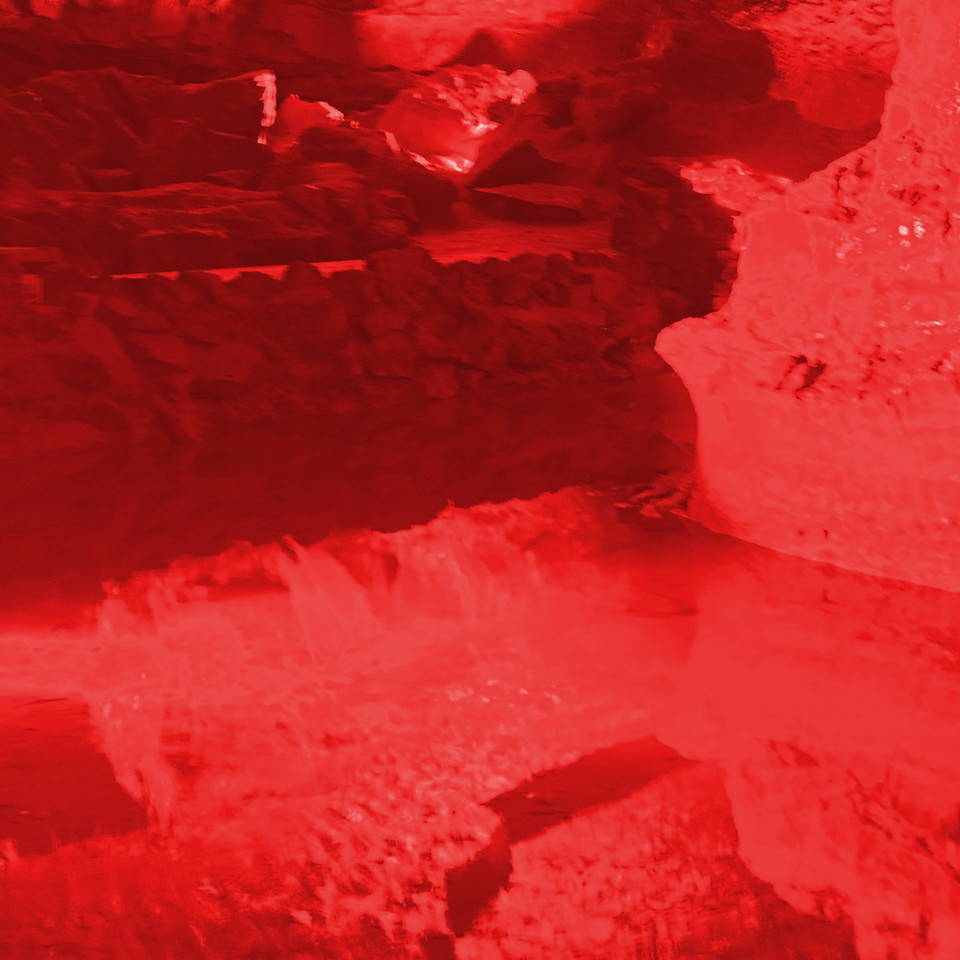 Dan-yr-Ogof Caves~10131-3ins.