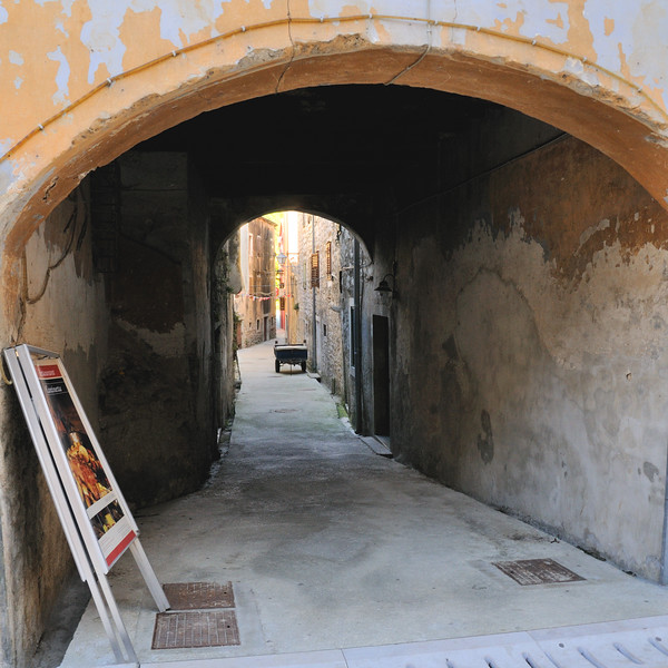 Old Trogir~4123-1sq.