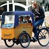 In Holland is this type of bicycle becoming more and more popular. I think because of the parkingproblems in big cities. <br /> Je ziet dit type fiets steeds meer in ons land. Ik denk omdat er zo veel parkeerproblemen zijn in de grote steden.