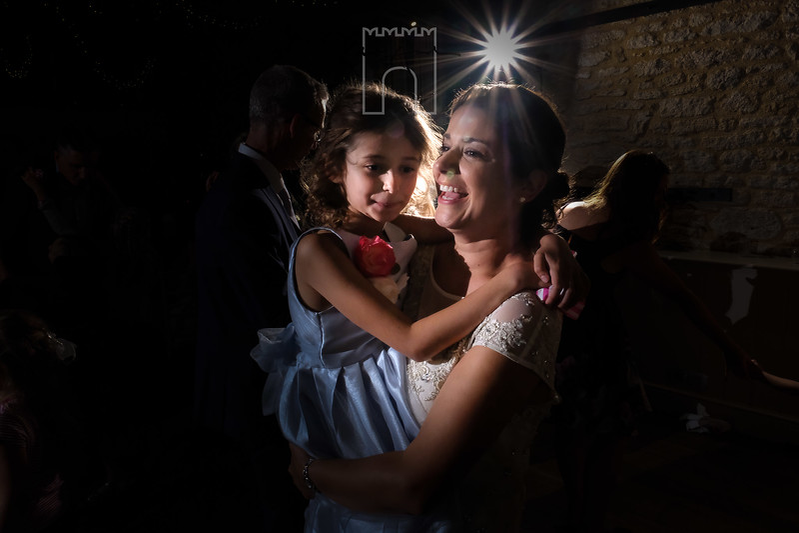 mum and daughter dance at wedding
