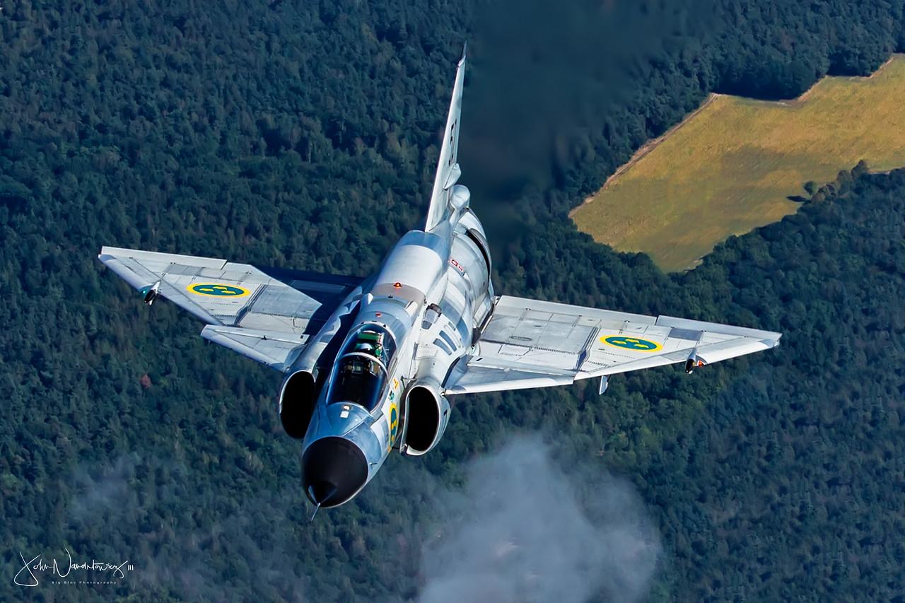Saab Viggen 37E