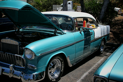 Chevy with Car Hop tray