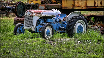 Lil blue tractor - Triangle Road, Mariposa, Ca