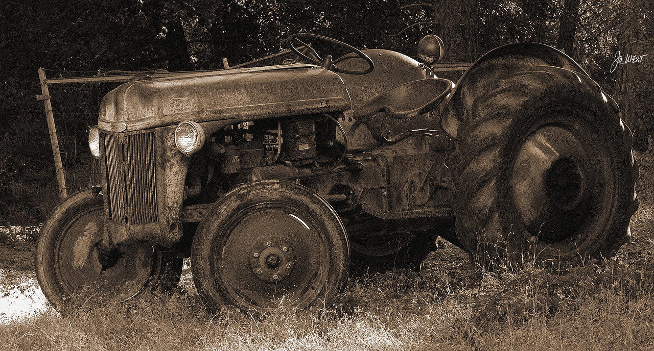TRACTOR%20sepia2%20signed-X2.jpg