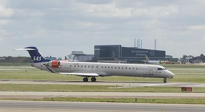 Scandinavian Airlines System Bombardier CRJ-900ER OY-KFD  in Kopenhagen/DK.