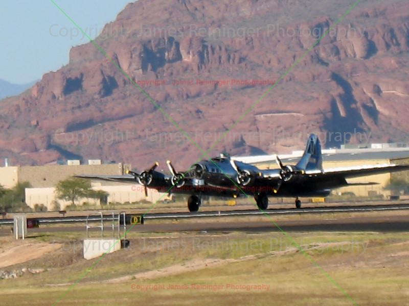 B-17 Flying Fortress landing