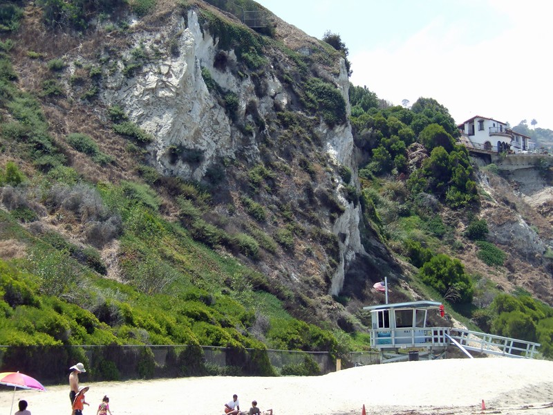 Valmonte diatomite cliff at Malaga Cove (right after Torrance Beach)