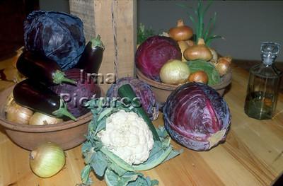 1-32-30 0038 vegetables groenten légumes cabbages onions kool ajuin choux onoins