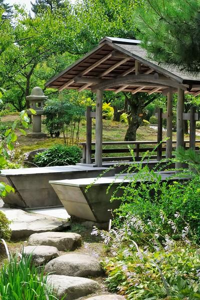 Kenroku-en Garden - One of Japan's three great gardens - Kanazawa, Japan