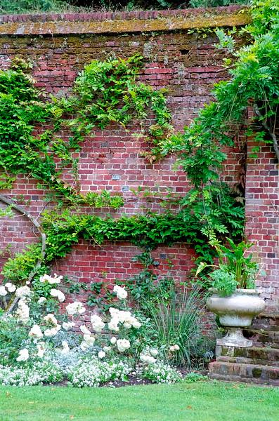 Garden wall - Broadlands, England