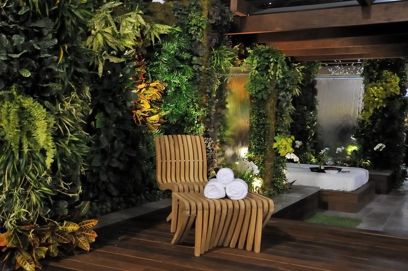 Tropical patio scene - 2010 Philadelphia Flower Show