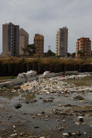 Río Segura contaminado por plásticos