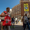 ¡ACCIÓN! Pancarta gigante contra el insostenible uso de las bolsas de plástico