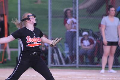 Platteville & Barneveld Softball @ Dodgeville  5-18-18
