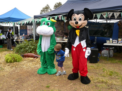 Froggie and Mickey at Platypus Festival 2010