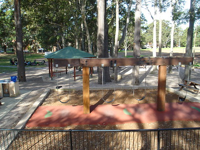 quad timber swing with inlaid softfall rubber