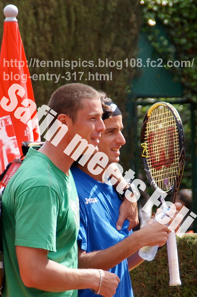 """Safin meets Feli Lopez (Barcelona 2009)<br /> <a href=""""http://tennispics.blog108.fc2.com/blog-entry-317.html"""">http://tennispics.blog108.fc2.com/blog-entry-317.html</a>"""