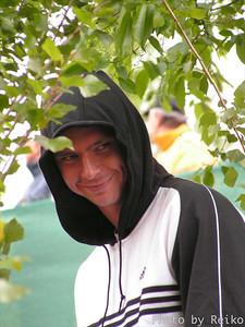 Hamburg 2005  コート1の裏にあるコートで観客に混じって試合を見てたソーダリン