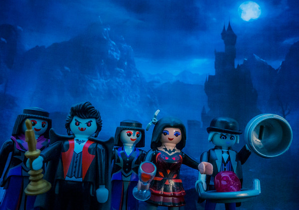 Playmobil vampire family