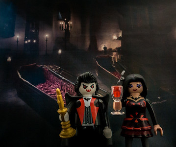 Playmobil Dracula and his wife.