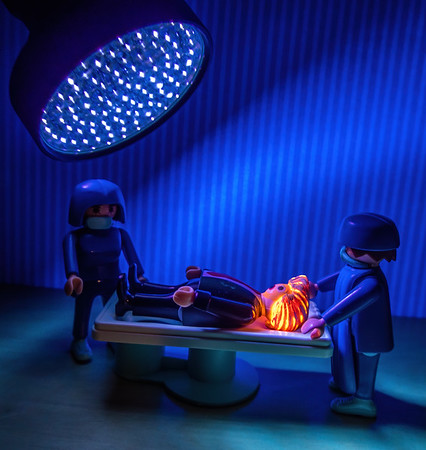 Trump trying out his idea of high dose UV radiaton. Playmobil 2020 COVID-19