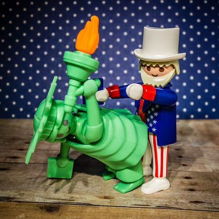 Playmobil Uncle Sam screwing Lady Liberty