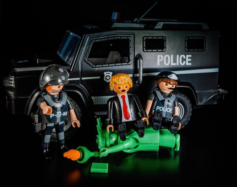 """I Can't Breathe"" Trump murdering Lady Liberty. Playmobil USA 2020 George Floyd"