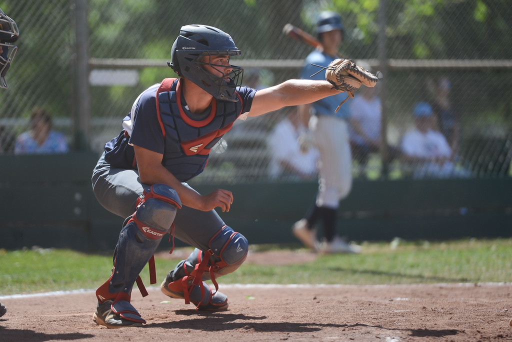 . Las Plumas High\'s Jarret Atteberry catches the ball during a home game against Pleasant Valley High, May 11, 2018,  in Chico, California. (Carin Dorghalli -- Enterprise-Record)