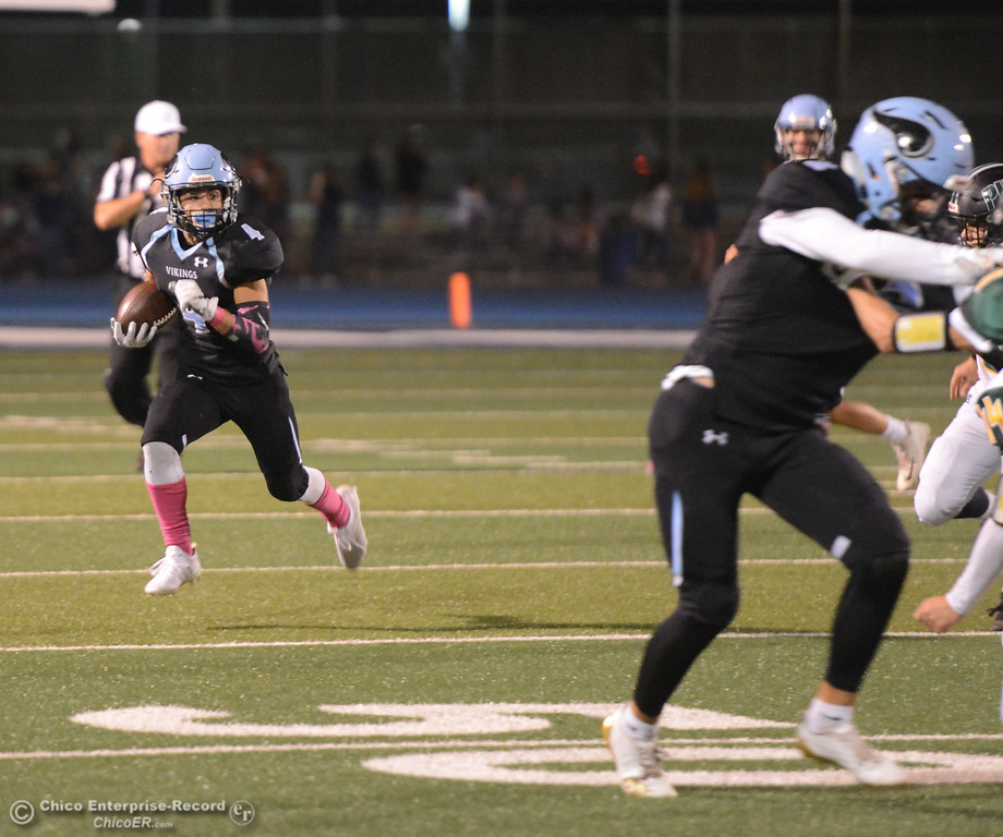 . Pleasant Valley hosts Paradise High School football October 6, 2017 in Chico, California. (Emily Bertolino -- Enterprise-Record)