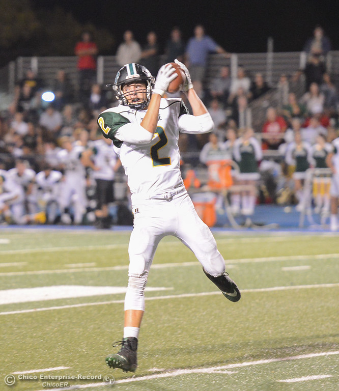 . Paradise\'s Stan Ciechanski catches a long throw as the Bobcats take on the Pleasant Valley Vikings October 6, 2017 in Chico, California. (Emily Bertolino -- Enterprise-Record)
