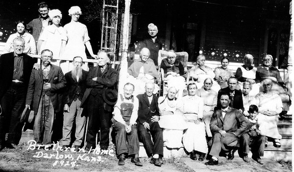1928 photo of residents of the Old Folks Home