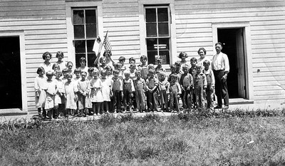 Bible School class at Pleasant View Church in 1928.