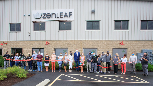 Zenleaf Ribbon Cutting-4316