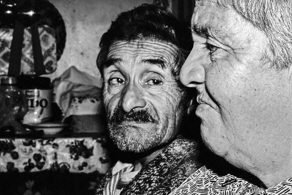 """"""" Los Landeros""""  Irian Landeros y Delia Sepúlveda, pobladores del Ventisquero Jorge Montt. 2005"""