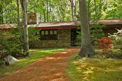 """House at Bolin Brook Farm, designed by a student of Frank Lloyd Wright.   To make the displayed picture bigger, mouse over the picture and select """"Original"""" from the menu."""