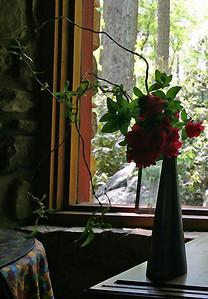 Michiko created this simple, elegant arrangement in honor of Roberta, in the spirit of haiku.