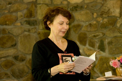 Roberta reads from her chapook, nothing left to say (KingsRoad Press: 2010).