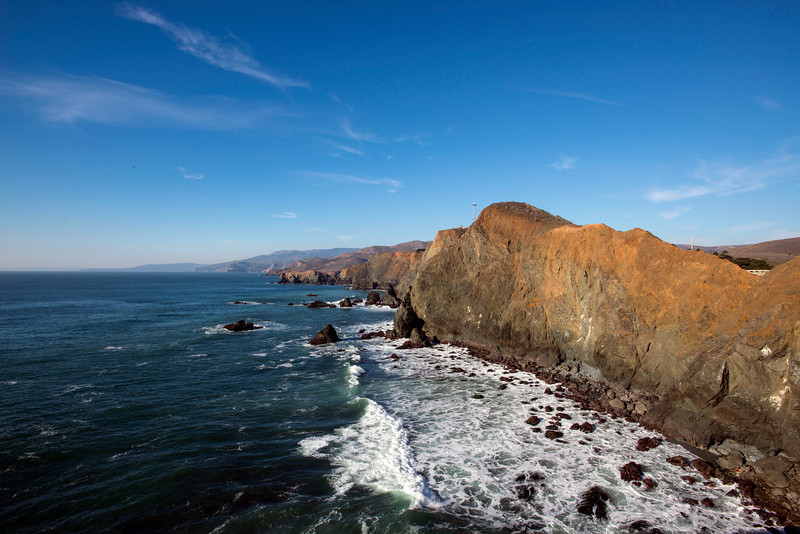 More than 300 boats ran aground near the Golden Gate during the Gold Rush years. One shipwreck, the SS City of Rio de Janeiro, is just a few hundred feet offshore from the light.