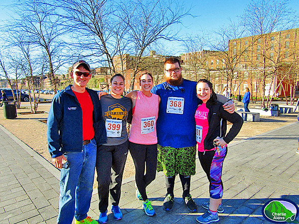 Group picture of Point of Honor 5K runners