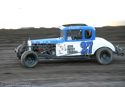 Ken Clifford as drivers compete Friday, June 30, 2017, at the Silver Dollar Speedway in Points Race No. 8 in Chico, California. (Dan Reidel -- Enterprise-Record)