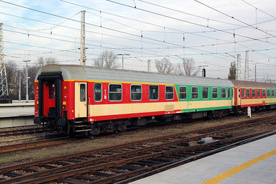 AB9nou, 51 51 39 70014-7 PL-PKPIC at Warsaw Wschodnia on 2nd November 2012