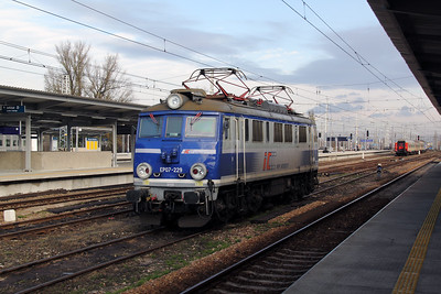 EP07 229 at Warsaw Wschodnia on 3rd November 2012