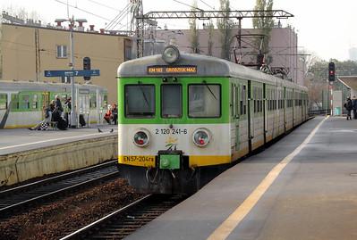 KMK, 2 120 241-6 (EN57 204ra) at Warsaw Wschodnia on 2nd November 2012