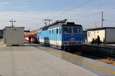 1) CD, 163 026 (CZ CD 91 54 7163 026-8) at Warsaw Wschodnia on 2nd November 2012