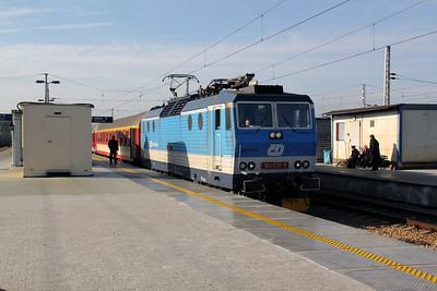 1) CD, 163 026 (CZ CD 91 54 7163 026-8) at Warsaw Wschodnia on 2nd November 2012