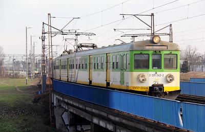 KMK, 2 120 243-2 (PL-KMKOL 94 51 2120 243-2 or EN57 204rb) at Warsaw Wschodnia on 2nd November 2012