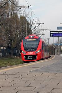 2) SKM, 2 160 102 (PL-SKMWA 94 51 2160 102-1) at Warsaw Zachodnia on 2nd November 2012